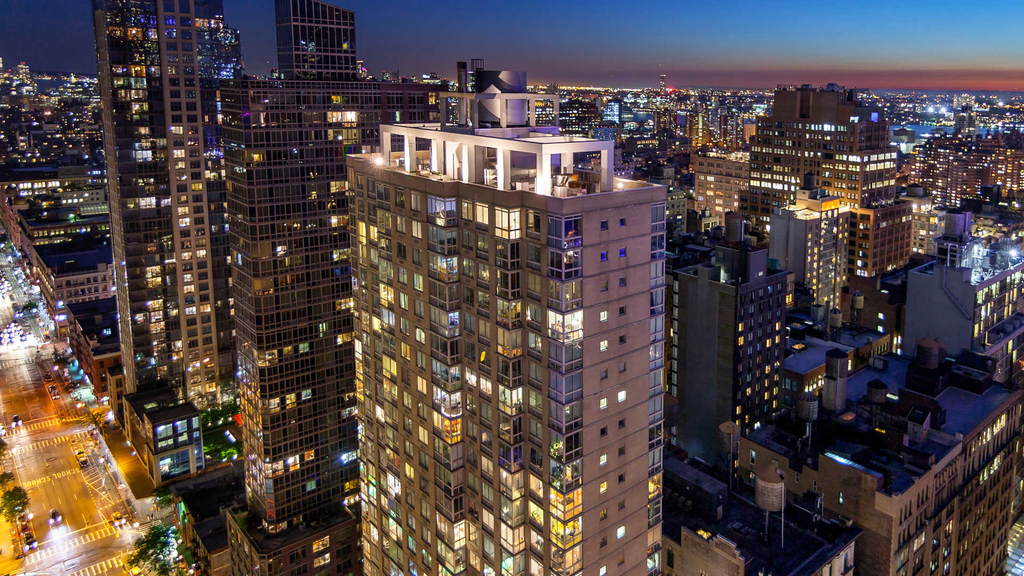 777 6th Avenue - Photo 1