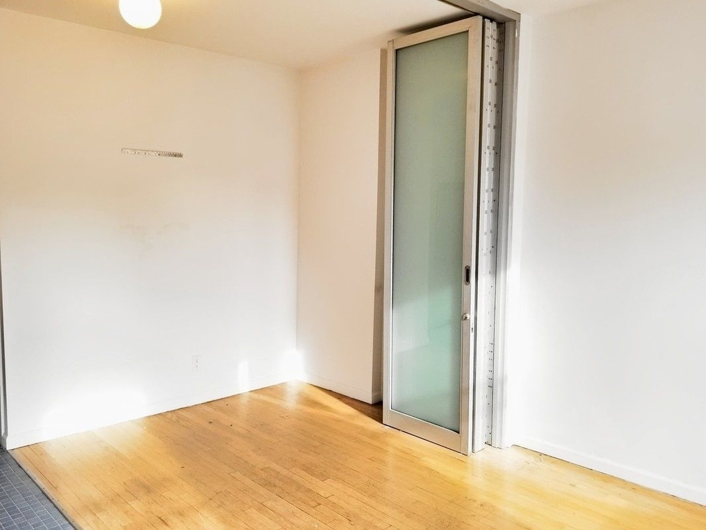 75 Thompson Street - Photo 2