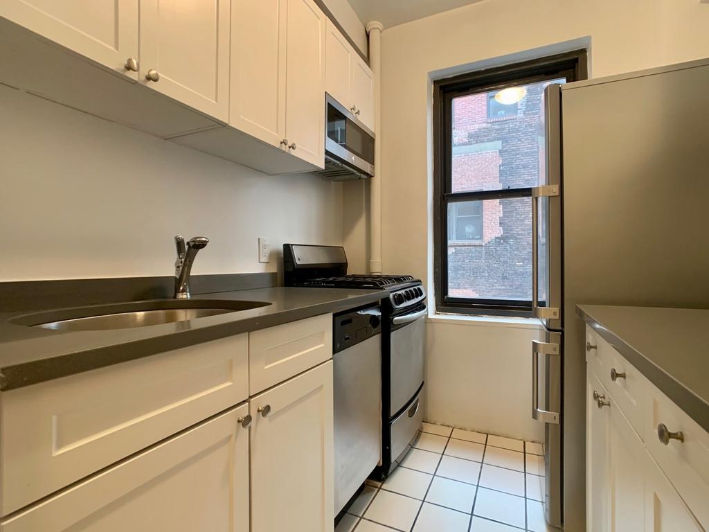 141 East 56th Street - Photo 3