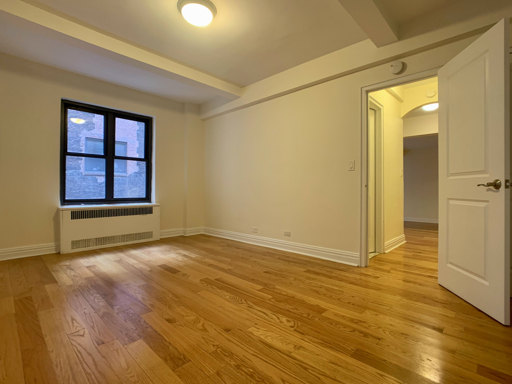 141 East 56th Street - Photo 8