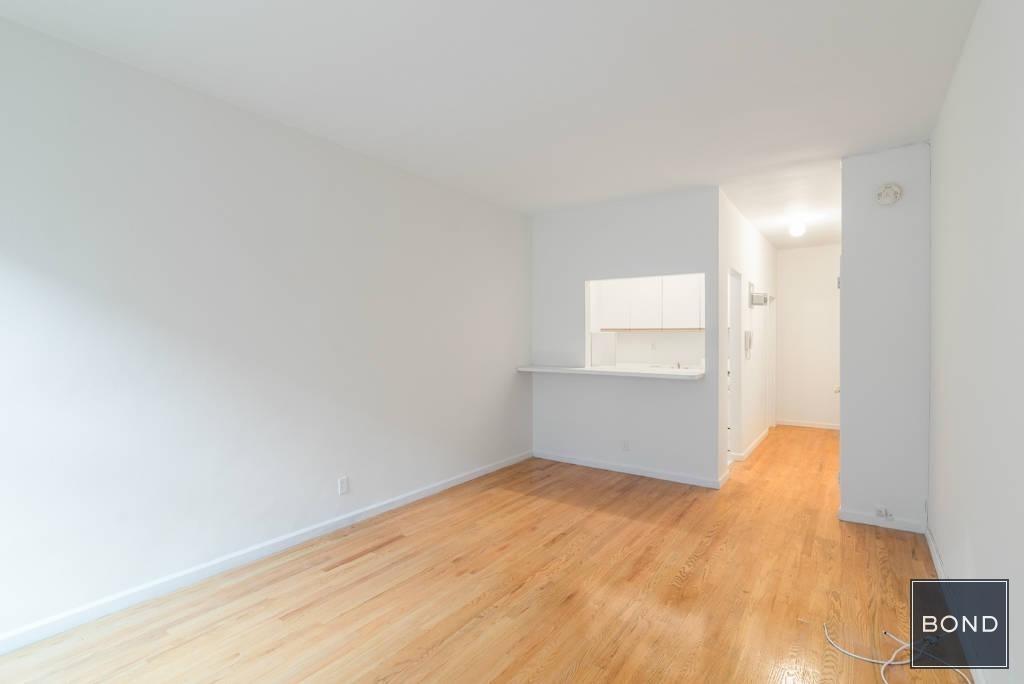 318 East 89 Street - Photo 0