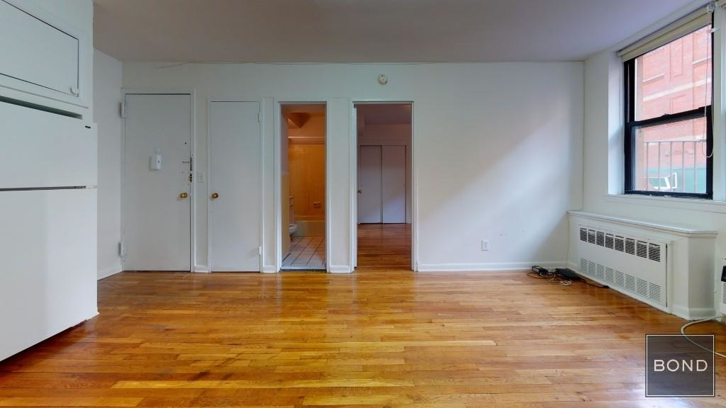445 East 85 Street - Photo 5