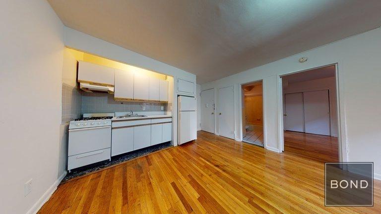 445 East 85 Street - Photo 2