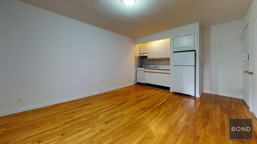 445 East 85 Street - Photo 3