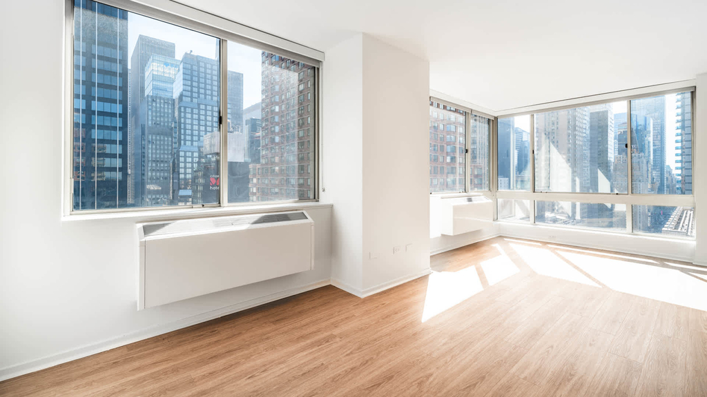 305 West 50th Street - Photo 13