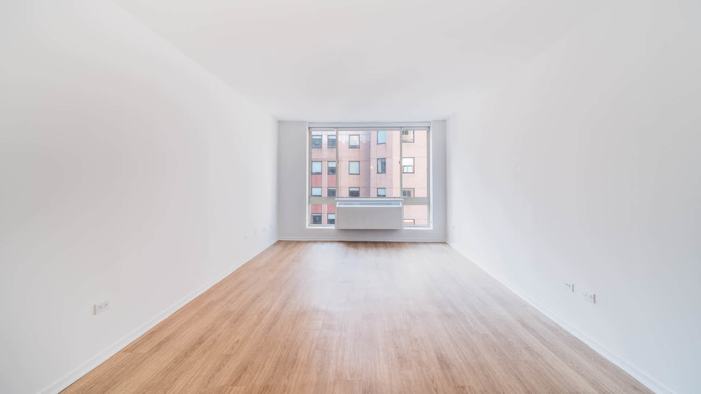 305 West 50th Street - Photo 17