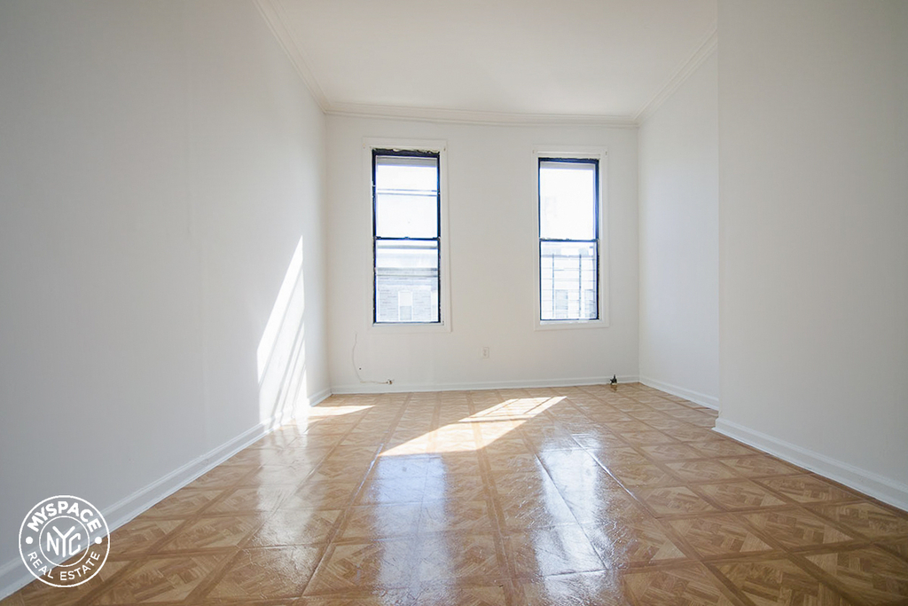293 Wyckoff Avenue - Photo 1