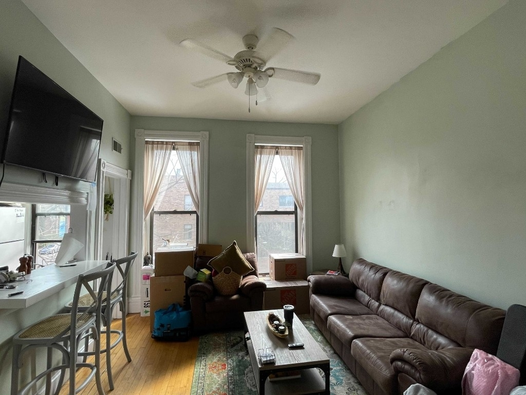 2056 North Halsted Street - Photo 2