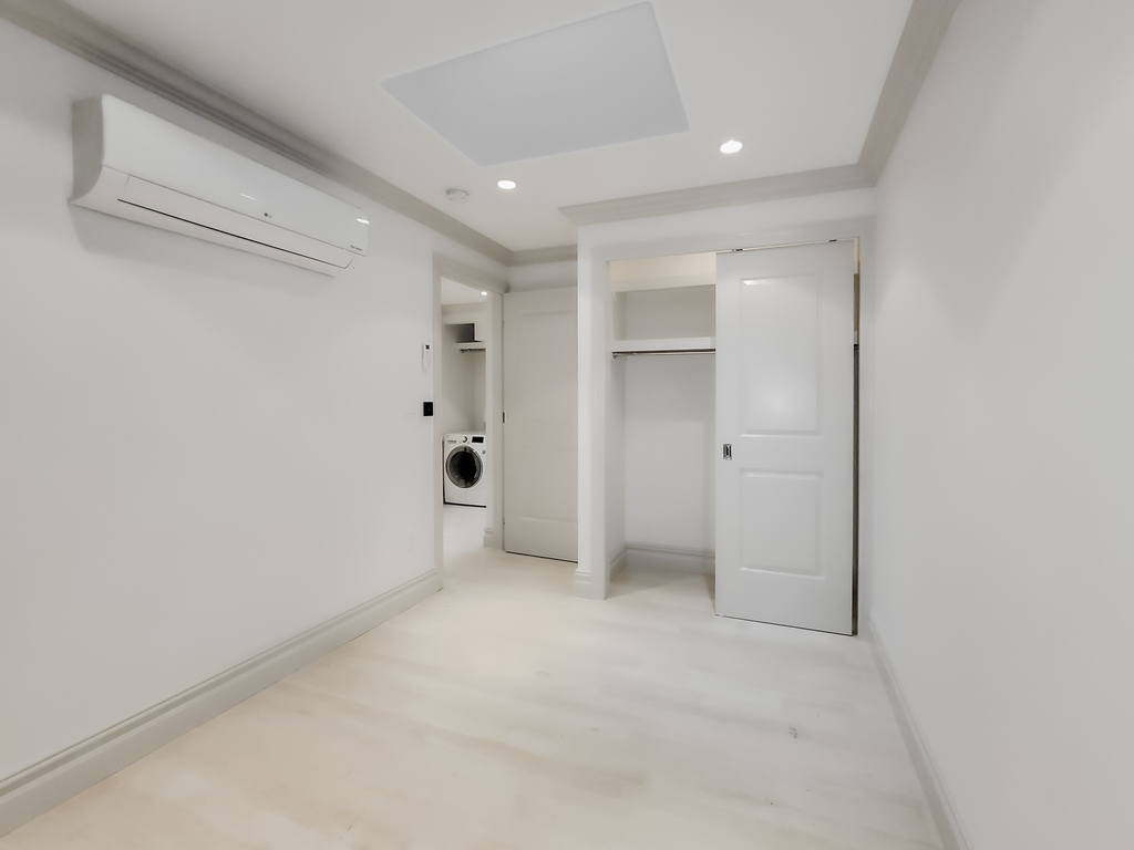 161 West 4th Street - Photo 3