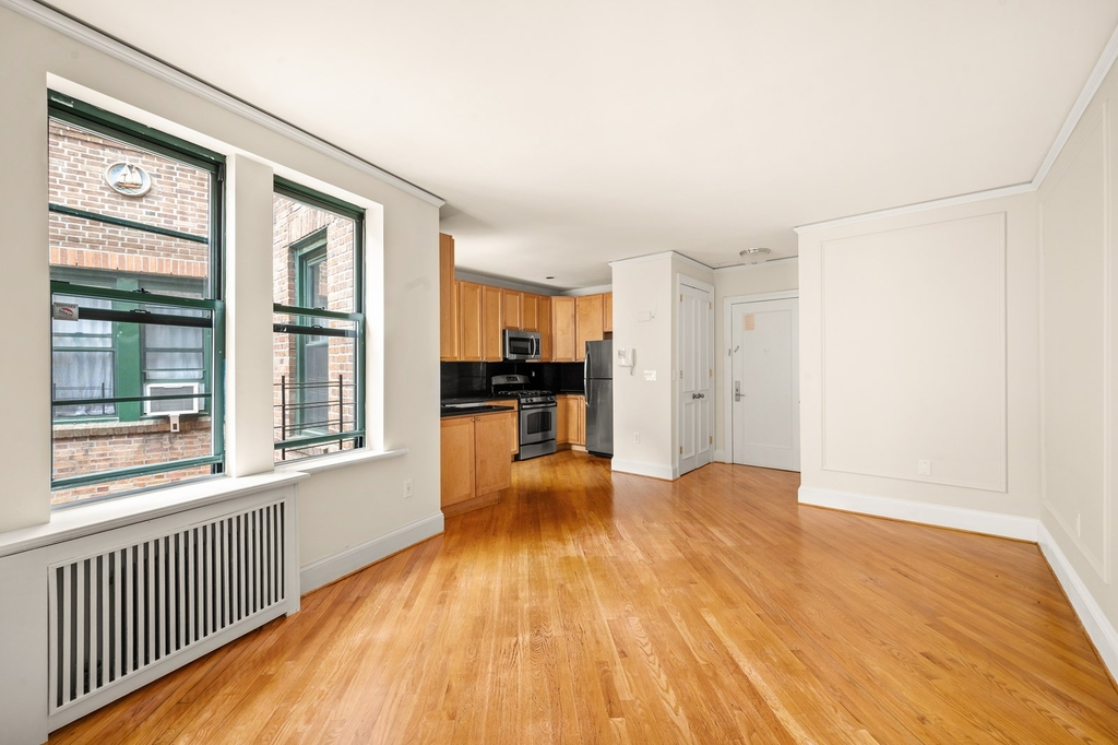 226 East 70th Street - Photo 1