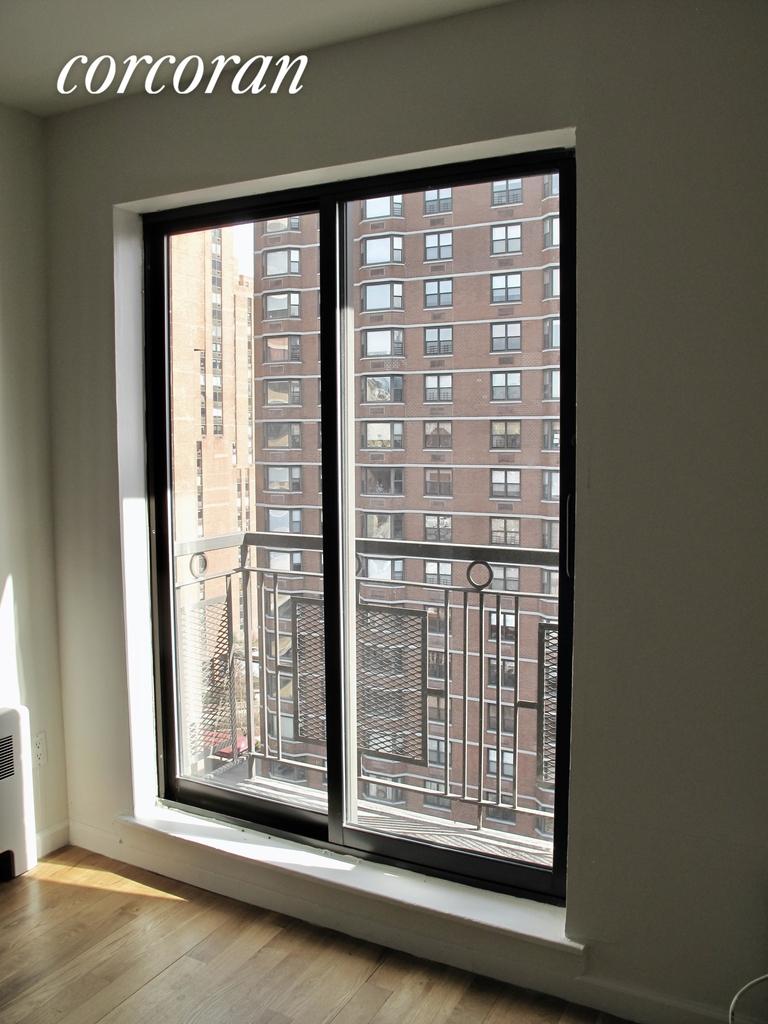 East 89th Street - Photo 8