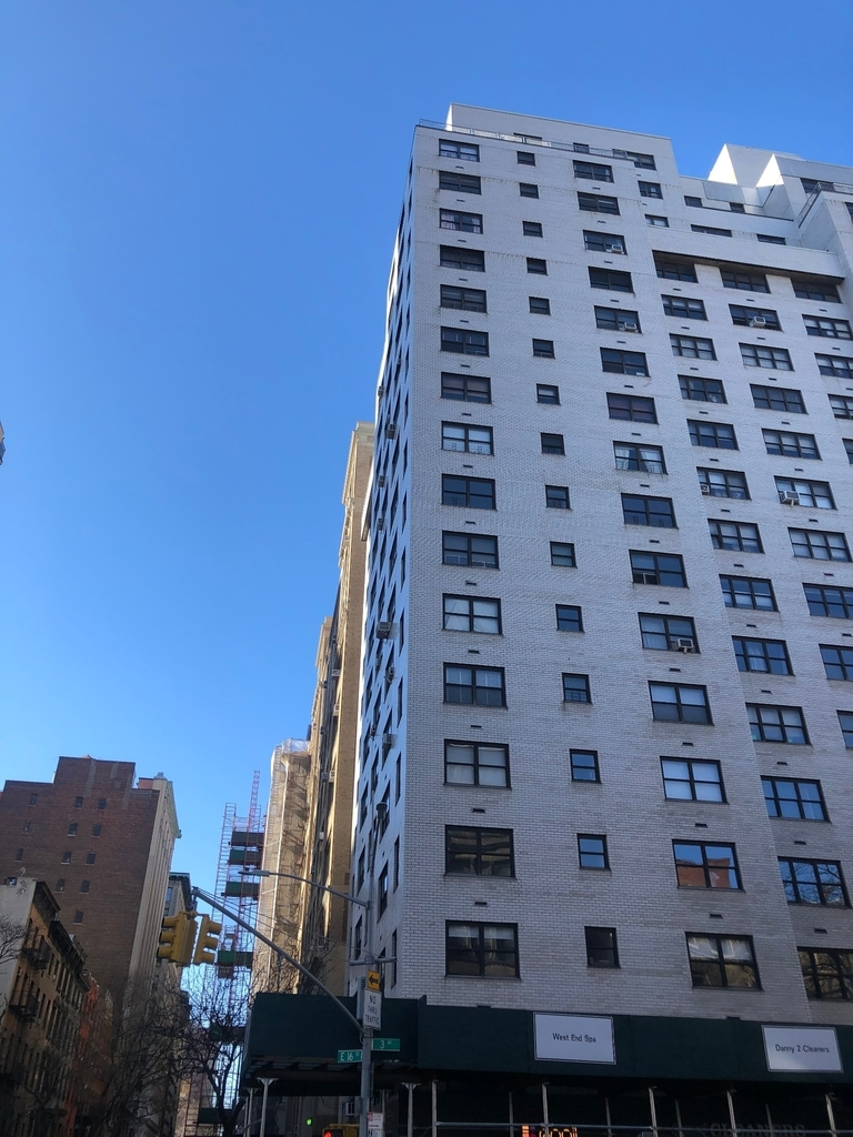 E 16th St and 3rd Ave - Photo 7
