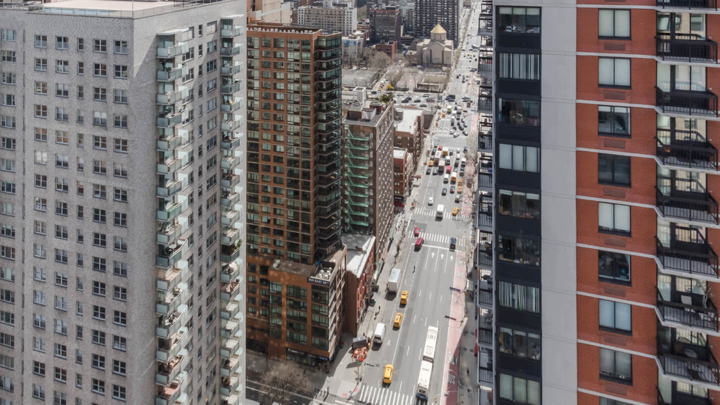 300 E. 39th St. - Photo 36