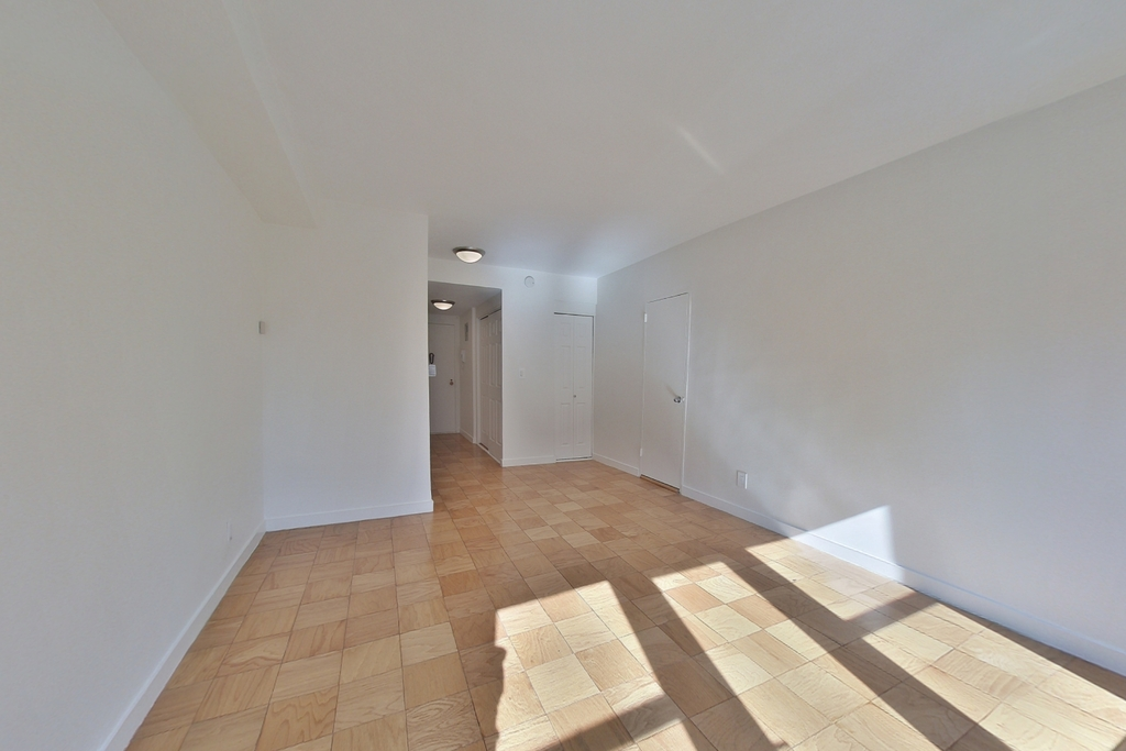 236 East 36th Street - Photo 1