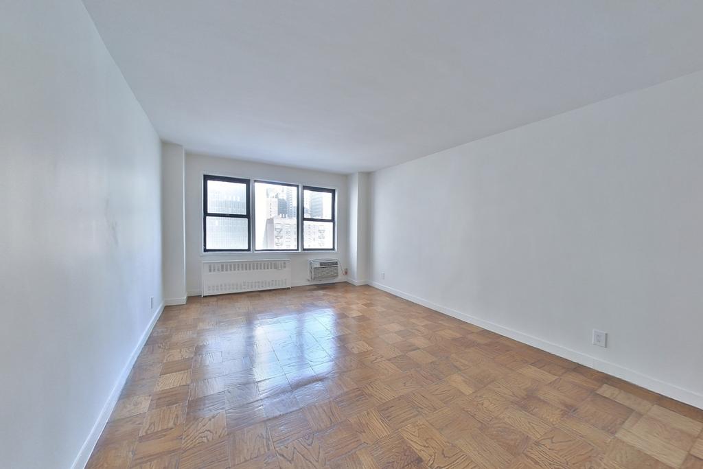 236 East 36th Street - Photo 0