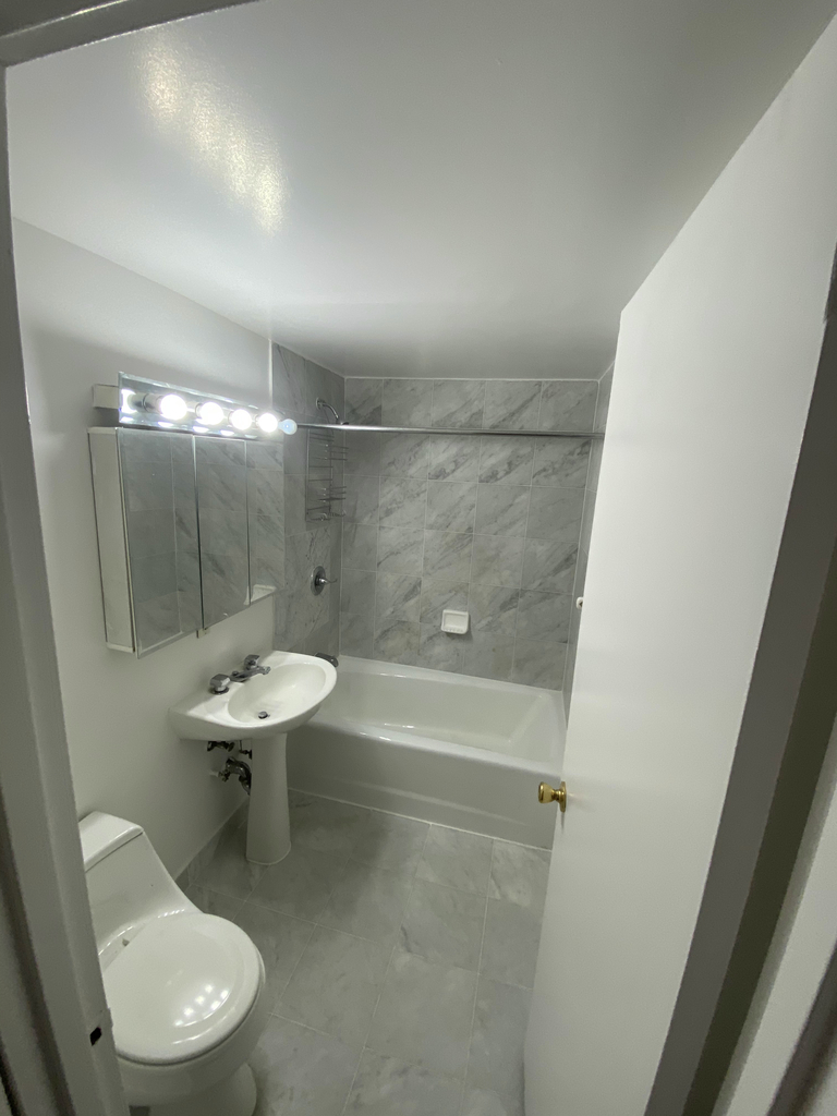 240 East 35th Street - Photo 7