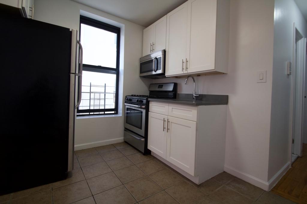 516 West 136th Street - Photo 4