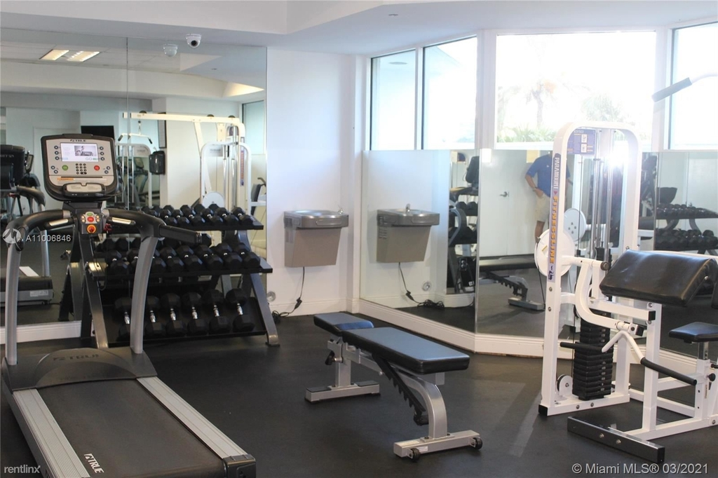 5900 Collins Ave - Photo 6