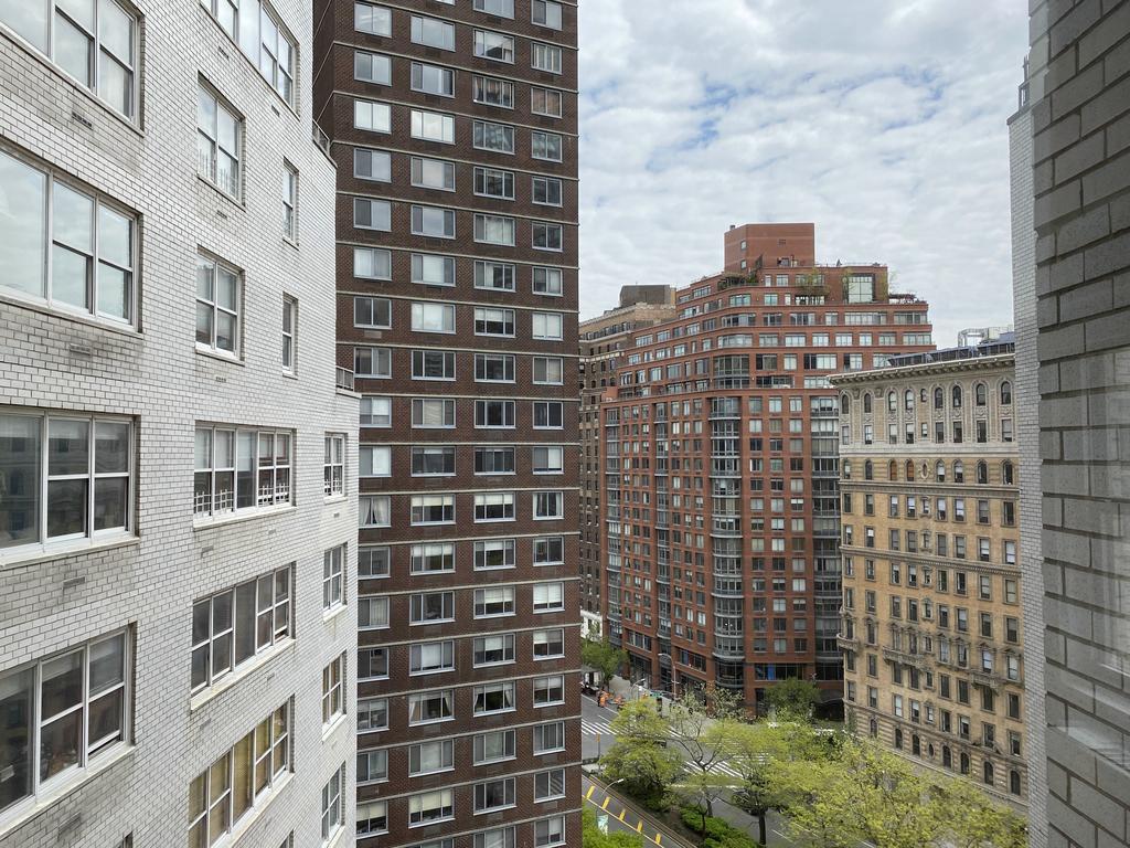155 West 68th Street - Photo 14