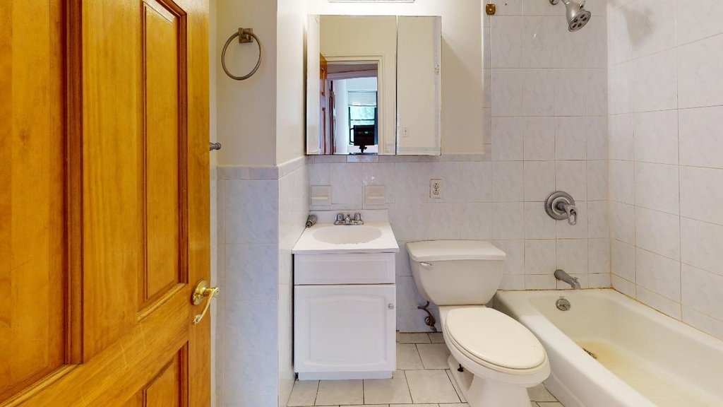Spacious,bright, 1 bed for rent in Haven Avenue  upper Manhattan  no fee  - Photo 7