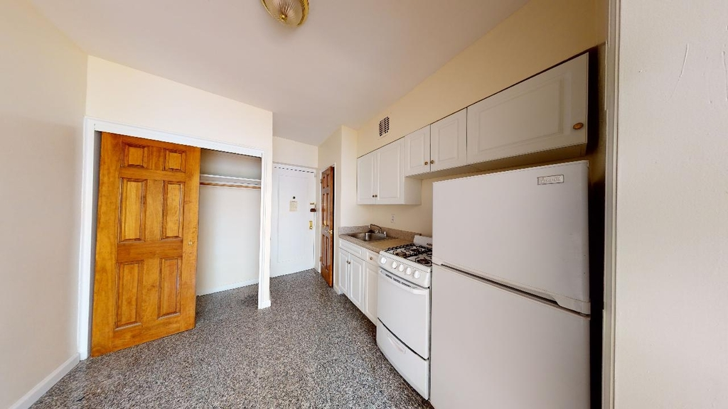 Spacious,bright, 1 bed for rent in Haven Avenue  upper Manhattan  no fee  - Photo 3