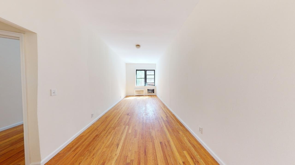 Spacious,bright, 1 bed for rent in Haven Avenue  upper Manhattan  no fee  - Photo 5