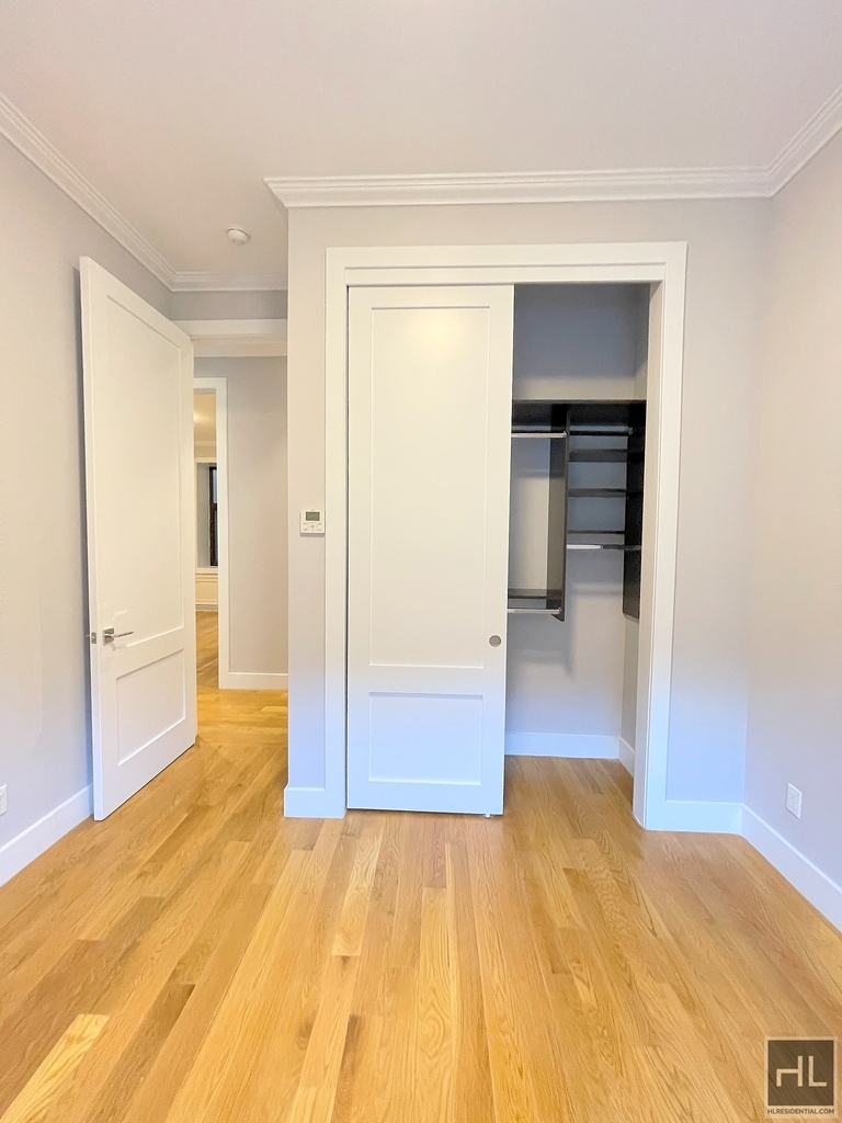 252 West 76th Street - Photo 8