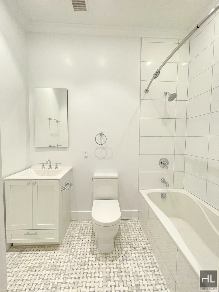 252 West 76th Street - Photo 9