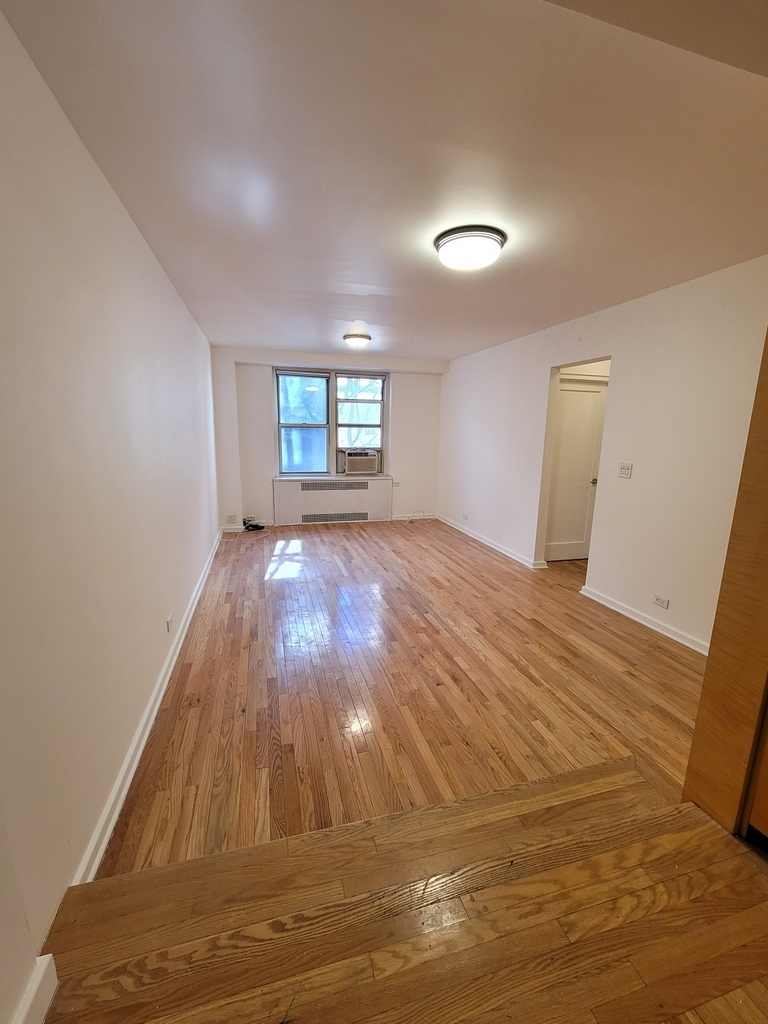 225 East 47th Street - Photo 2