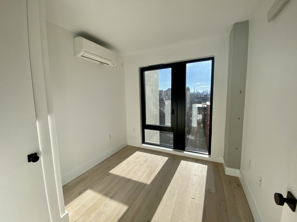 60 West 125th Street - Photo 4