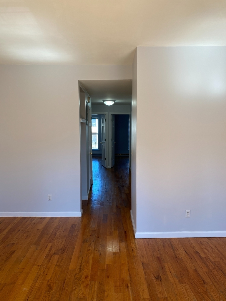 789A Willoughby Avenue - Photo 3