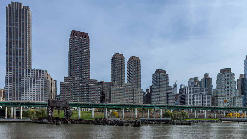 180 Riverside Blvd - Photo 1