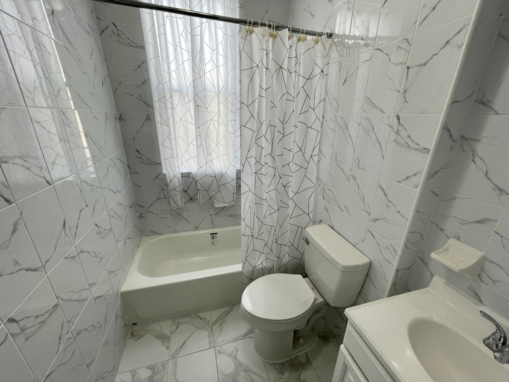 256 Kingsland Avenue - Photo 5