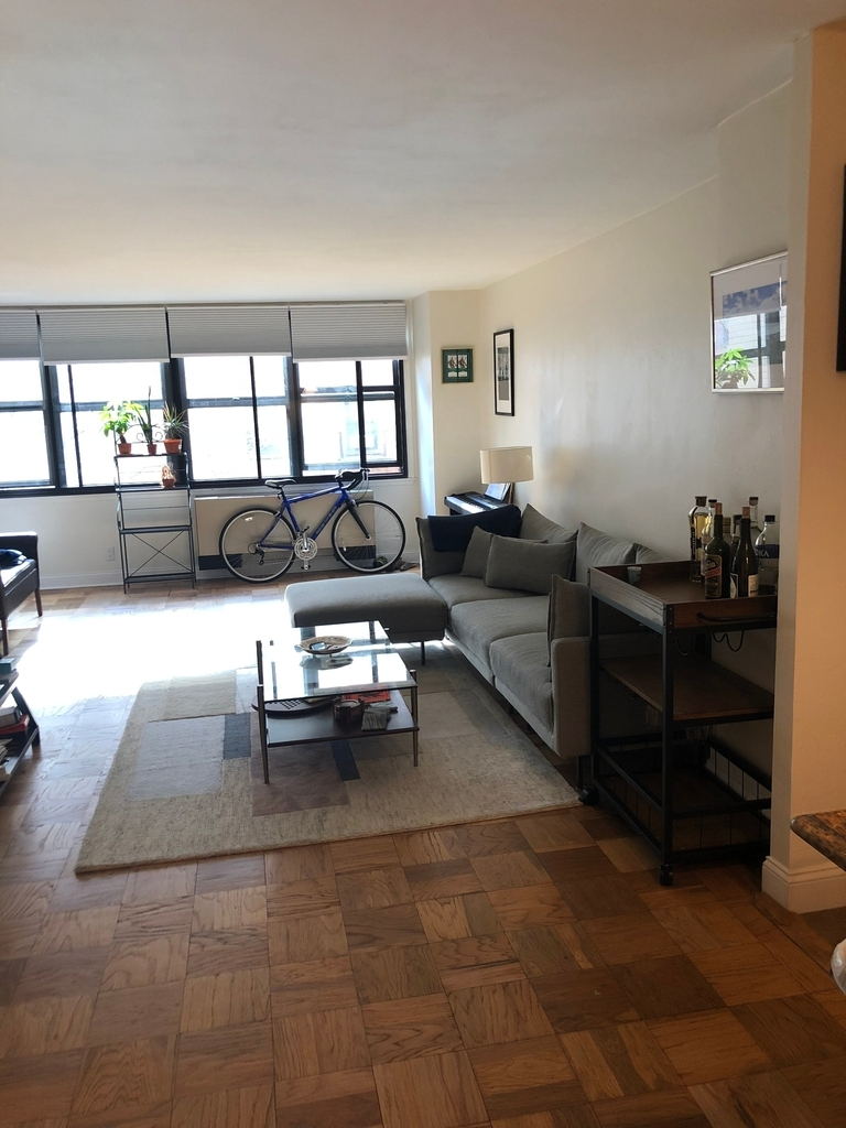 130 East 18th Street - Photo 6