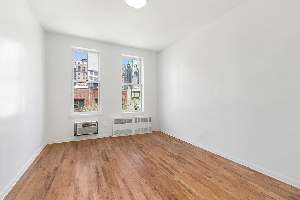 320 West 22nd Street - Photo 0