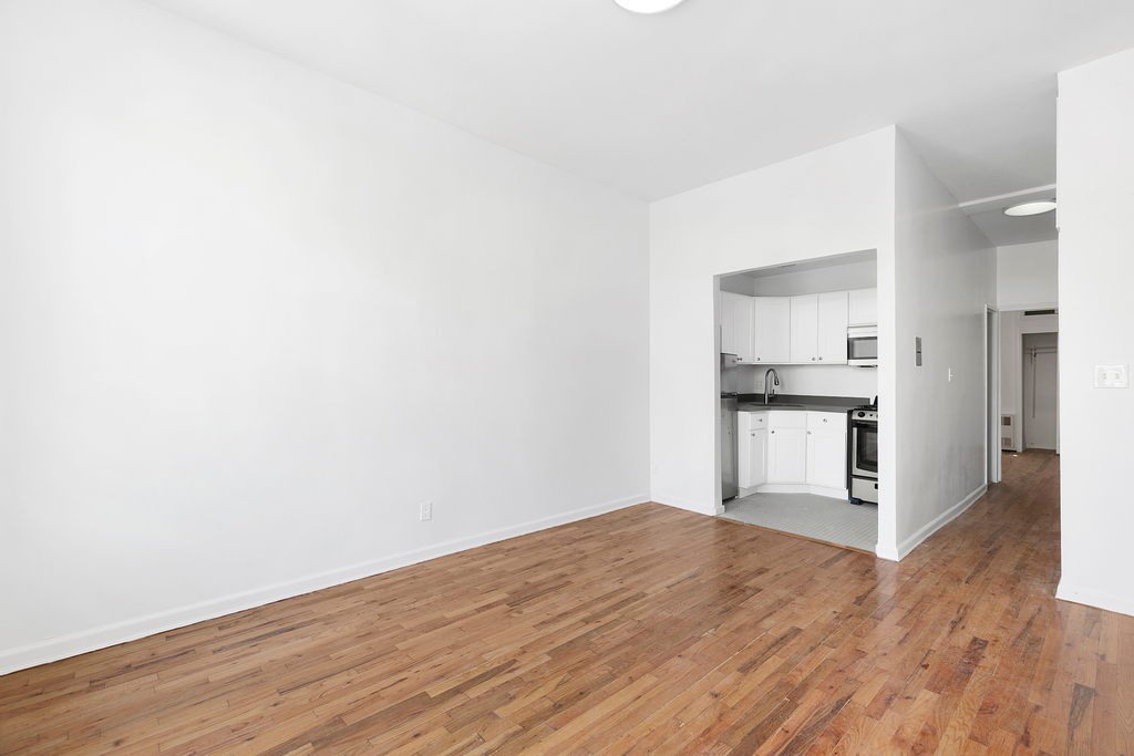 320 West 22nd Street - Photo 1