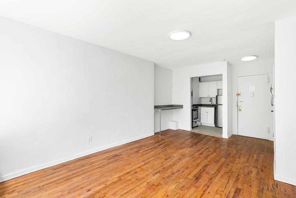 320 West 22nd Street - Photo 1
