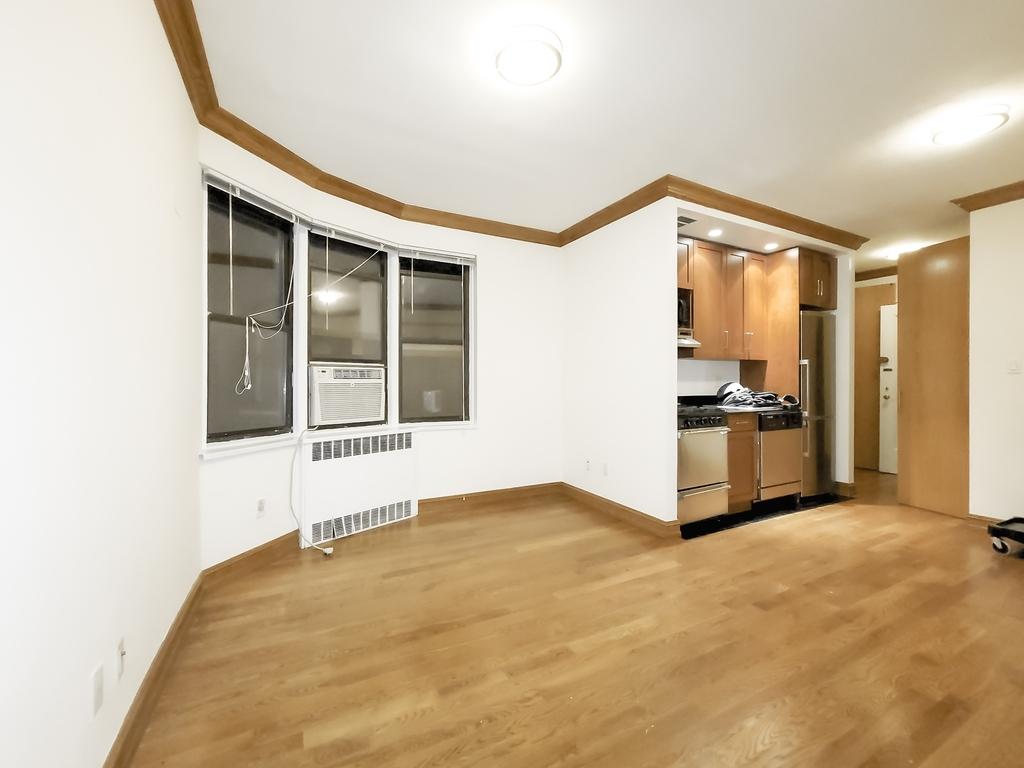 1680 York Avenue - Photo 1