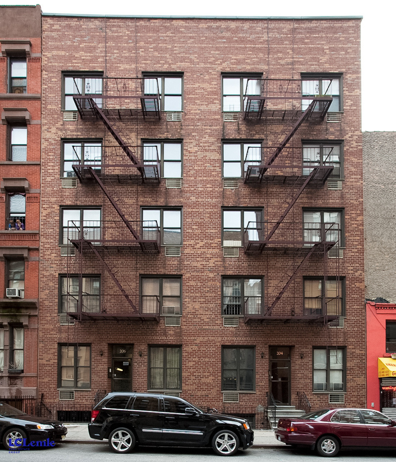 206 East 25th Street - Photo 9