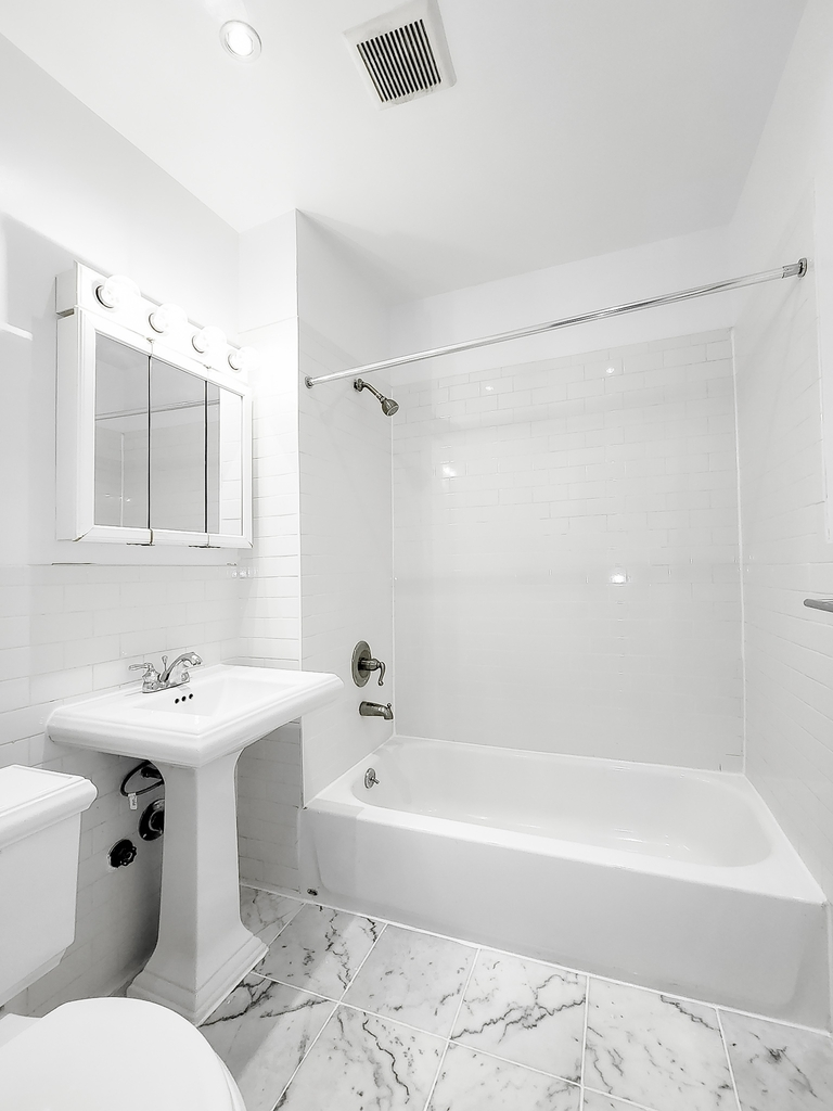 244 East 78th Street - Photo 5