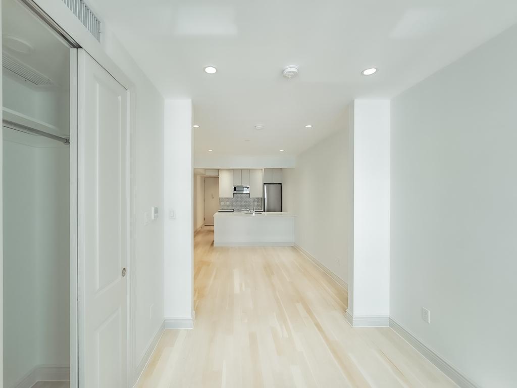 405 East 78th Street - Photo 4