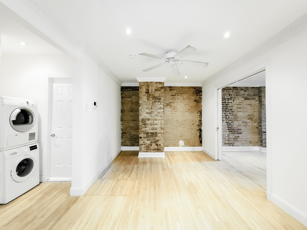 244 East 78th Street - Photo 1