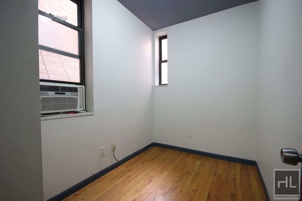 East 7th Street - Photo 0