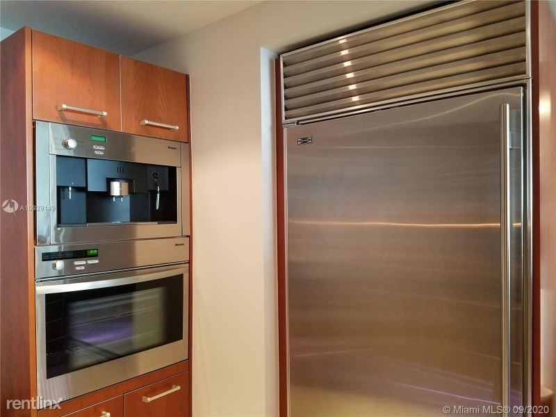 1331 Brickell Bay Dr - Photo 10