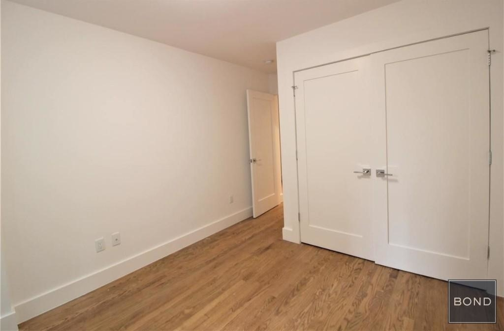 242 West 10th Street - Photo 3