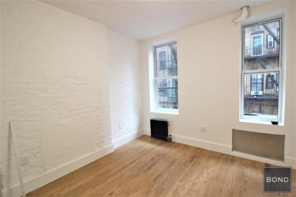 242 West 10th Street - Photo 1