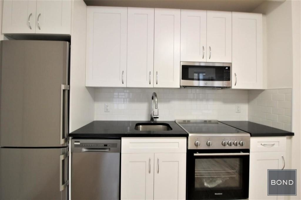 242 West 10th Street - Photo 4