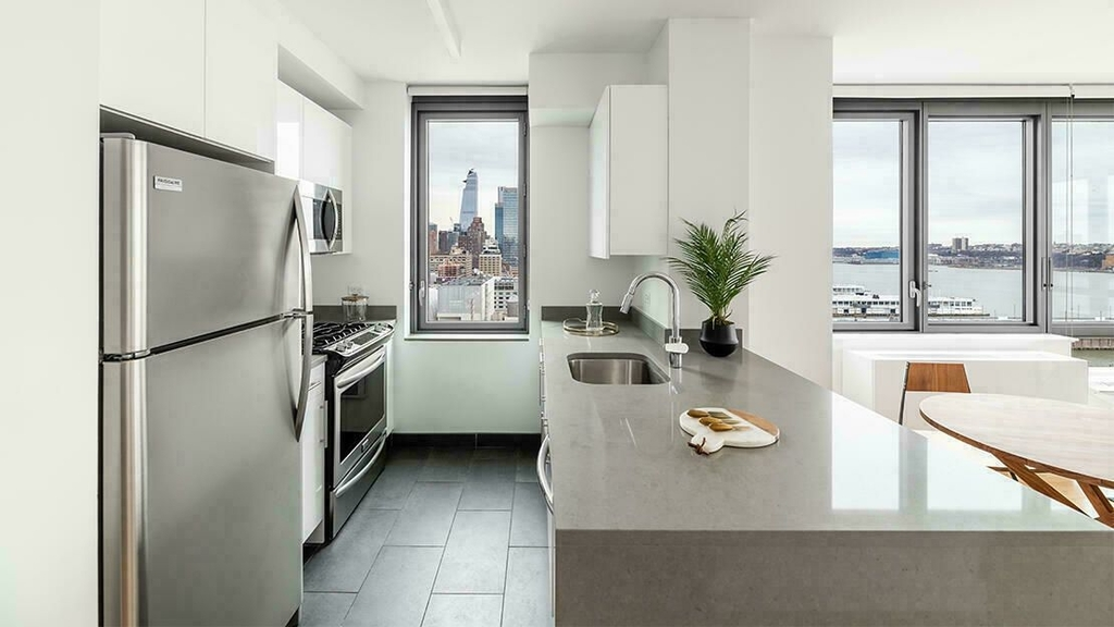West 57th Street - Photo 1