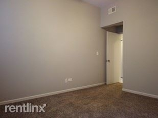617 W Drummond Pl # 2aw - Photo 18