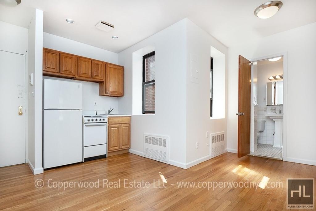 East 81 Street - Photo 0